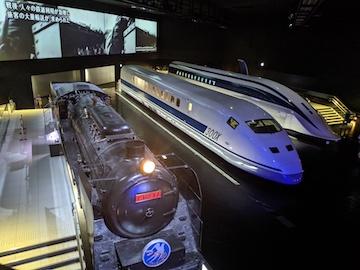 蒸気機関車・新幹線試験電車、超電導リニアの2階