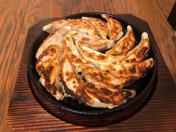 鉄鍋餃子(1)