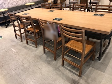 長テーブル席