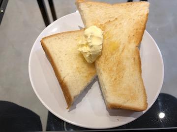モーニングAセットのトースト