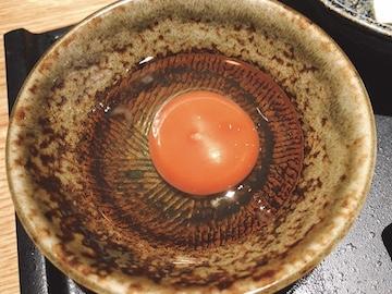 Wメイン定食(生卵)