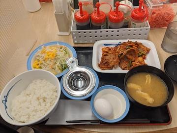 豚キムチ定食生玉子(2)