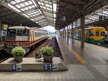 富山地方鉄道の列車