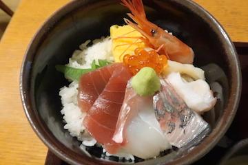 ミニ海鮮丼とそばのセット(ミニ海鮮丼)