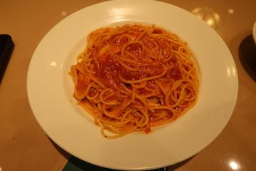 トマトとニンニクのパスタ1
