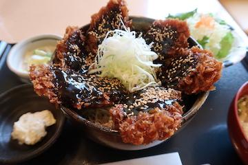 富山ブラックソースカツ丼(3)