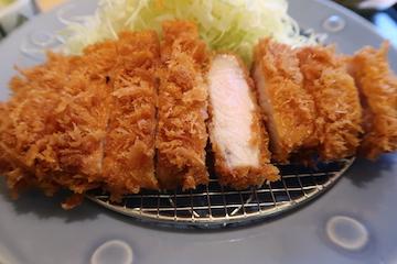 名水匠ロースカツ定食(3)