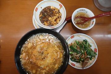 極王天津飯とレバニラ炒め、麻婆豆腐