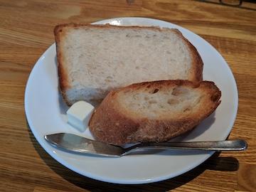 牛フィレ肉のステーキ(パン)