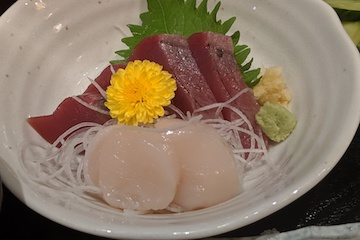 銀ダラ西京漬け焼きとカツオ、帆立貝の刺身(3)