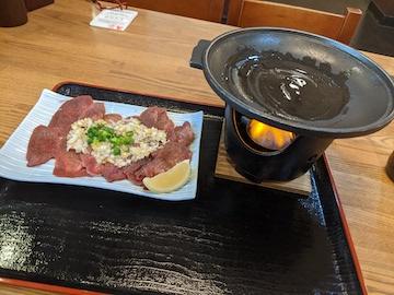 薄切り牛タンの塩焼き(1)