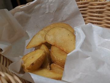 チーズドッグとフライドポテトフライセット(4)