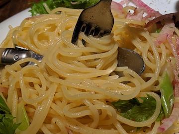 タコとわさび菜の和風ペペロンチーノ(2)