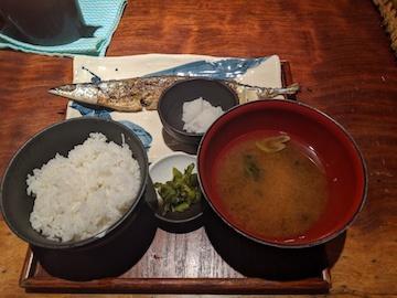 サンマ塩焼き定食(1)