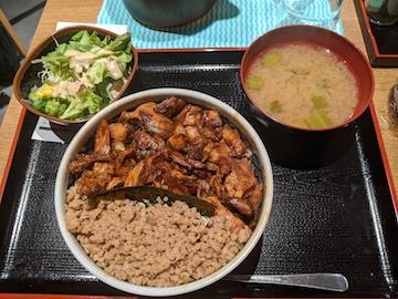 名物きじ焼丼(1)