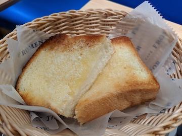 厚切りバタートースト(3)