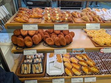 揚げもの中心のパン