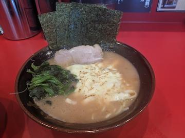 炙りチーズラーメン(1)