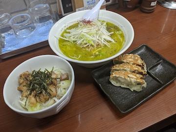 バジル鶏そば(1)