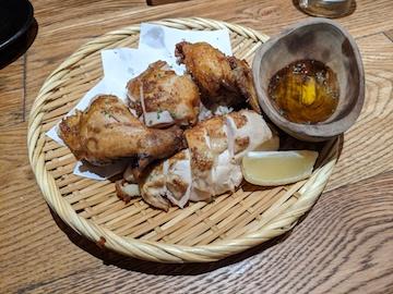丸鶏半身の素揚げ(1)