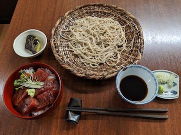 漬鮪丼とそばのセット(1)