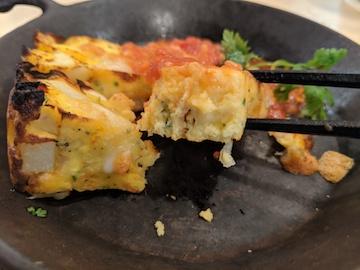 スペイン風オムレツとチーズの鉄板焼き(2)