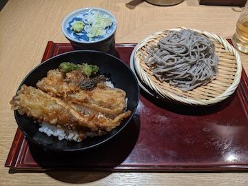 ごまそばと穴子天丼のセット(1)