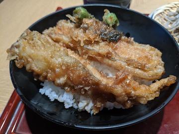 ごまそばと穴子天丼のセット(2)