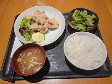 鶏の唐揚げ定食()